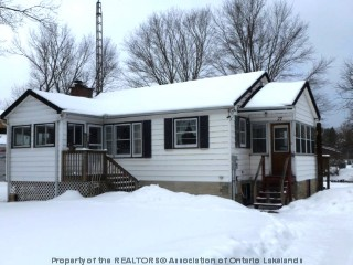 27 anson st, Minden Ontario, Canada Located on Gull River