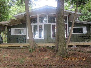 1056 chiefs lane, Algonquin Highlands Ontario, Canada Located on Boshkung Lake